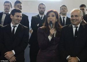 Argentine President Cristina Kirchner (photo credit)