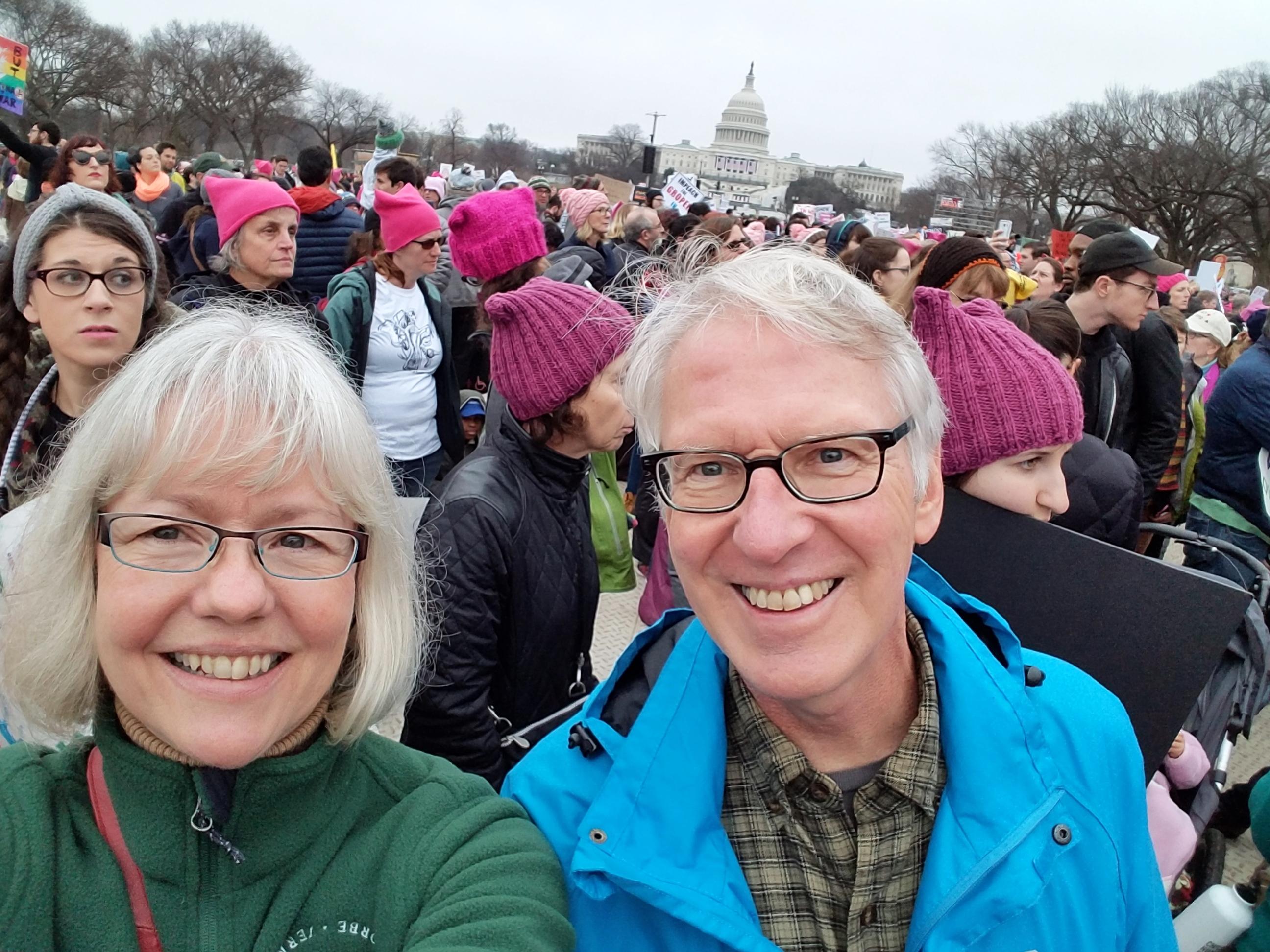 selfie-in-front-of-capitol